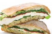 Vegeterijanski sendvič s mozzarellom