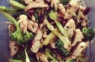 Proljetna salata sa piletinom i povrćem